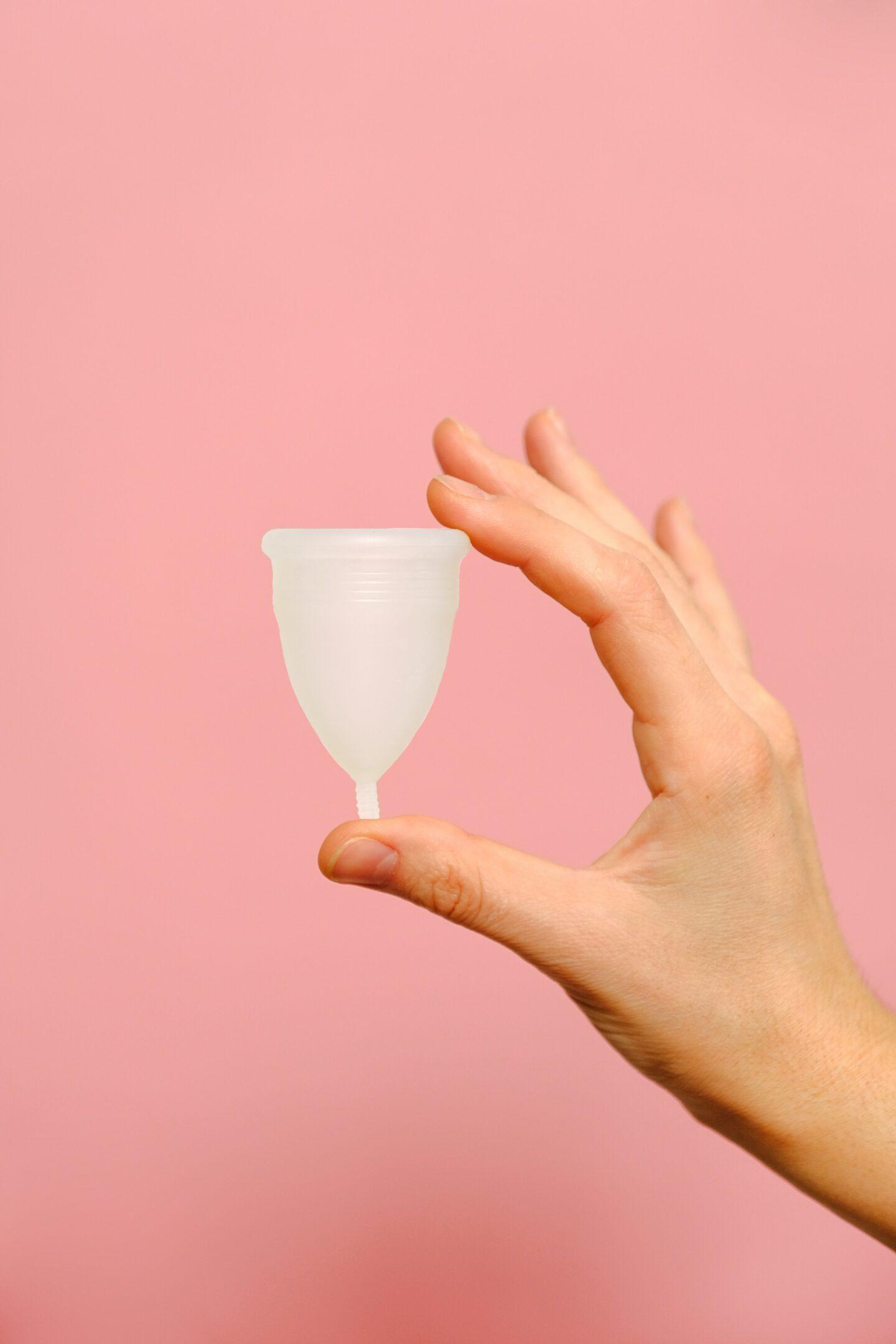 cómo se usa una copa menstrual
